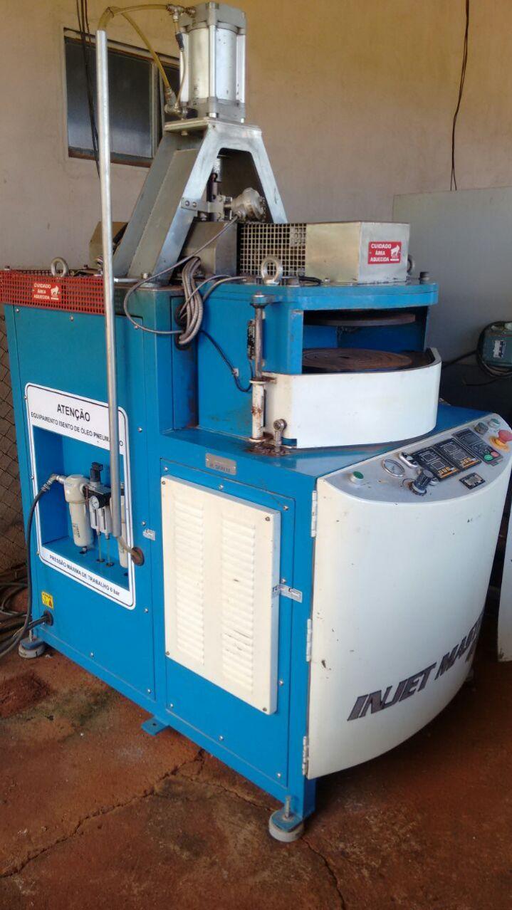 Fabrica completa para injeção de zamac e confecção em couros