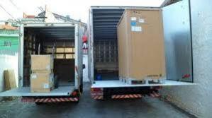 Frete, transporte caminhão 3/4 com plataforma elevatoria